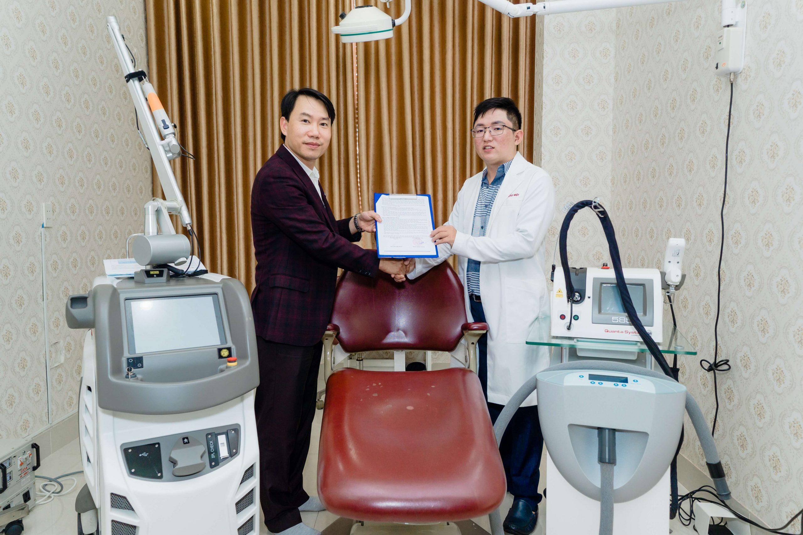 Ông TRẦN MINH THÀNH – CEO TRANFA bắt tay hợp tác cùng BS. CK1. PHI NHẬT